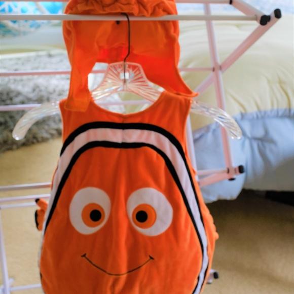 NWT Disney Store SZ 9 12 18 24 M TIGGER Baby Costume Bodysuit /& Hat Halloween